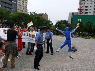 120704peacefuldemo05.jpg